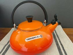 LE CREUSET FLAME ZEN WHISTLING TEA KETTLE 1.6 QT. NEWORIGINA