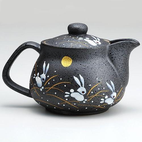 I rabbit Kutani pottery teapot pot